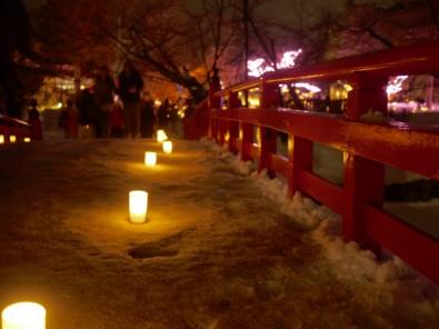 弘前城雪灯籠祭り 鷹丘橋からみた北の郭