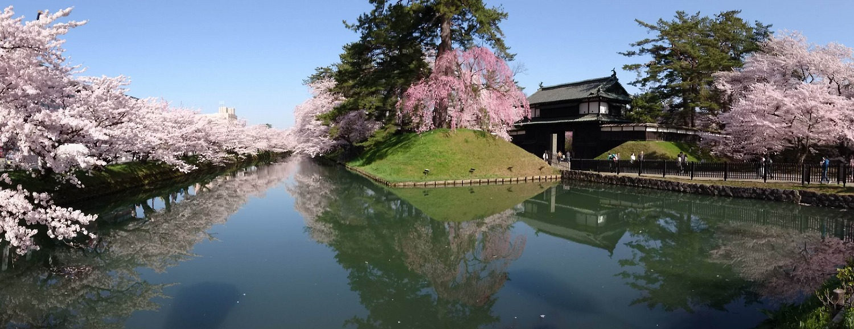 弘前公園・追手門付近