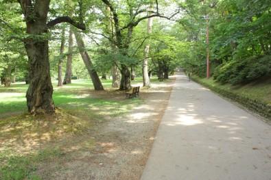 弘前公園でのんびりしたい人は西の郭!