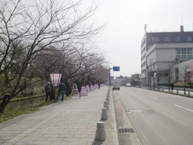 9時頃の弘前城外濠の様子
