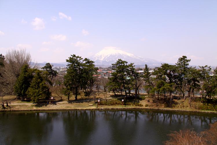 弘前城の濠が水質改善