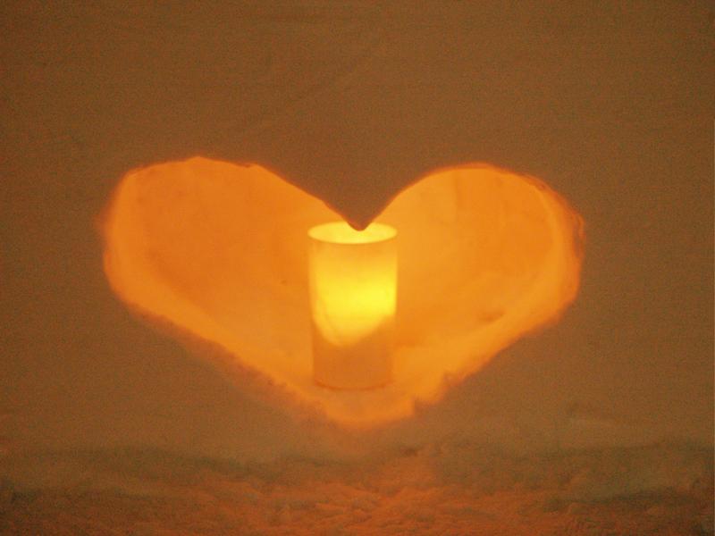 2014年弘前雪灯篭まつり開催! ハート形の灯篭