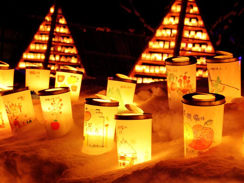 弘前公園・弘前城の2014年弘前雪灯篭まつり 会場の様子 手作りのランプ