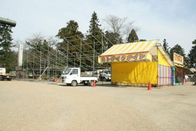 弘前公園(弘前城)お化け屋敷・骨組み設置