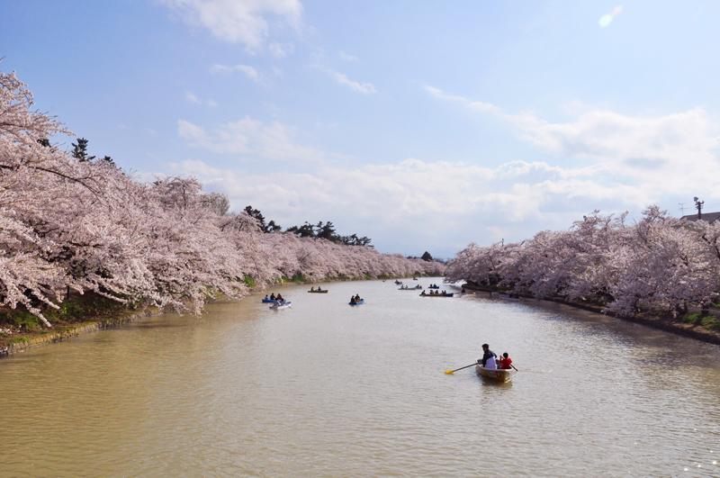 弘前公園(弘前城)・西濠とボート
