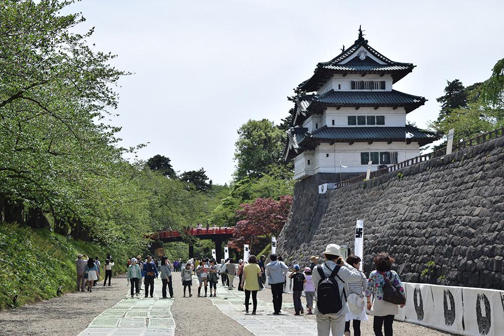 弘前城 内濠一般開放