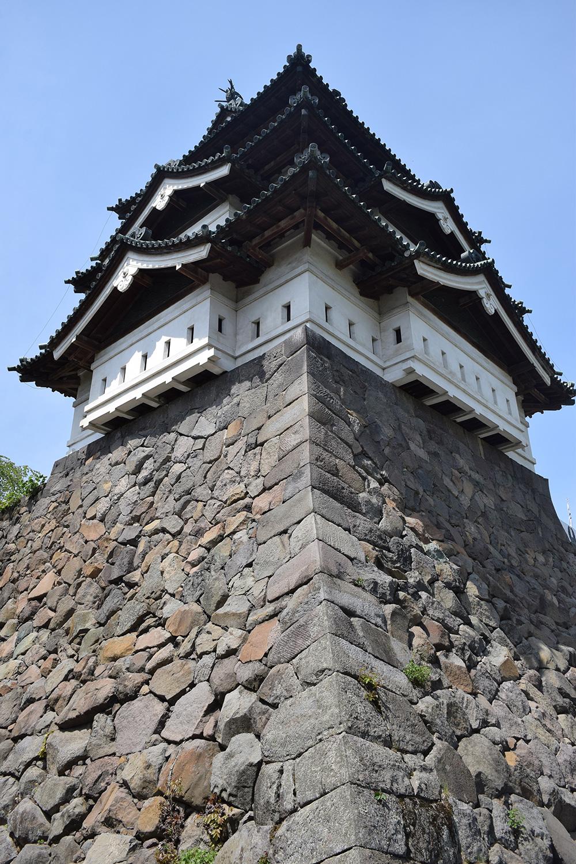 内濠一般開放 天守を下から見上げた様子(弘前城)