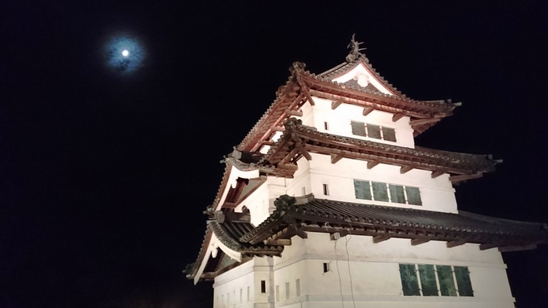 弘前城・天守曳屋(ひきや)情報~24日、仮天守台への「着座」が行われます!~