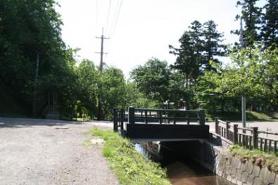 外濠と賀田橋の様子