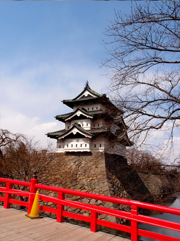 2013年4月11日の弘前公園・弘前城の様子 桜開花状況