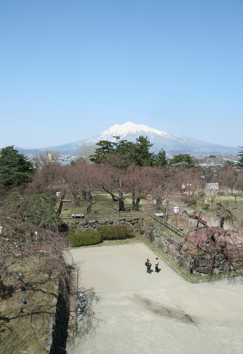 本丸 弘前城からの様子