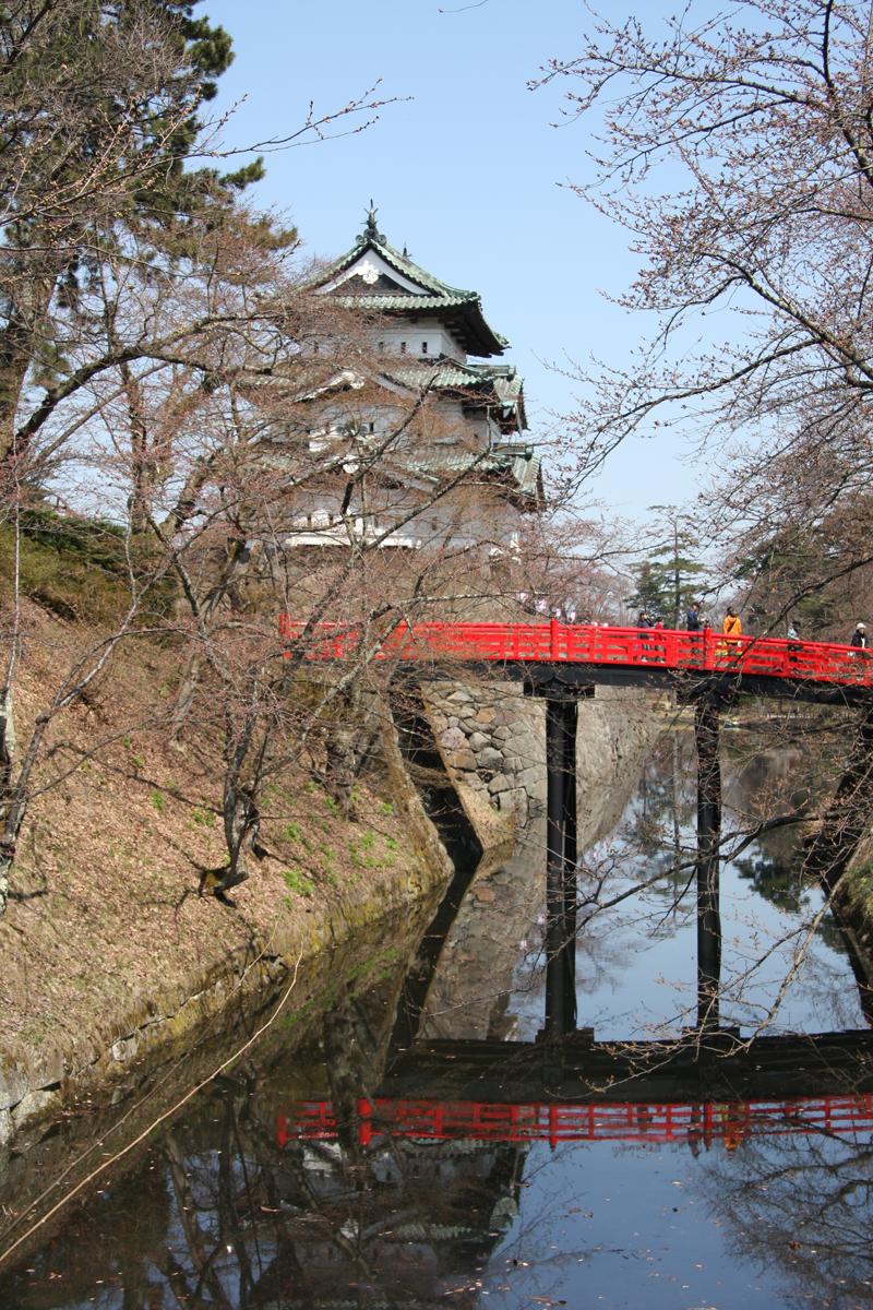 下乗橋と弘前城