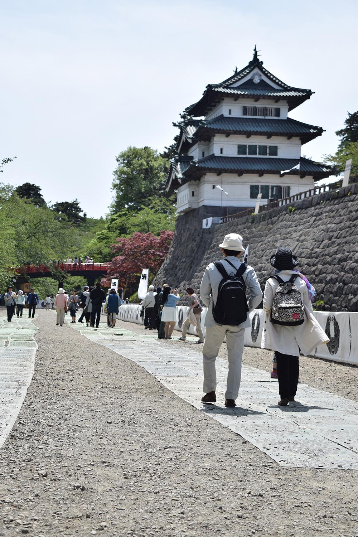 内濠の一般開放(弘前公園・弘前城)