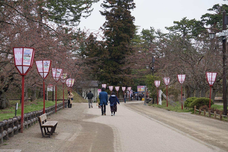 弘前公園 (2018年4月18日 撮影)