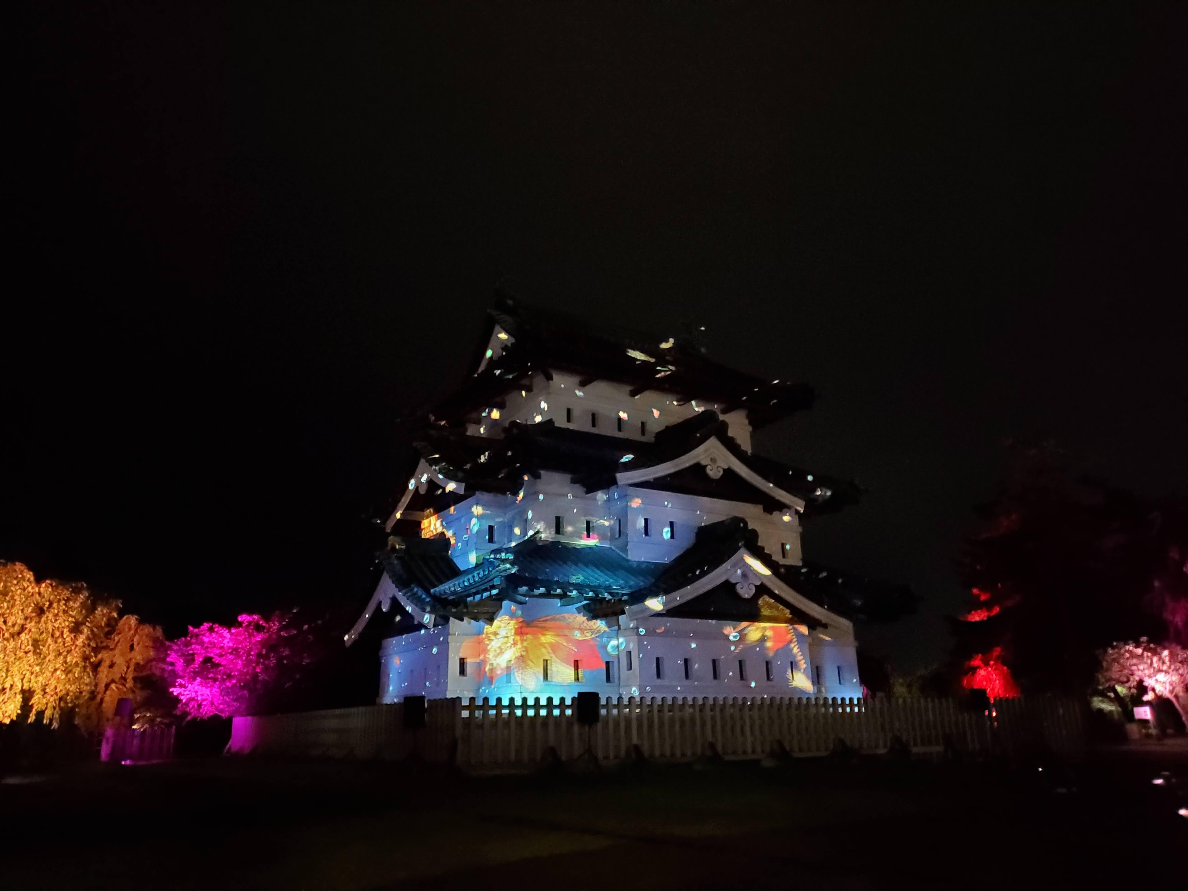 弘前城×ネイキッド光の桜紅葉